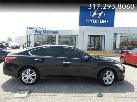 Pre-Owned 2013 Nissan Altima SV